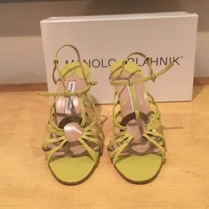 Manolo Blahnik heels NEW